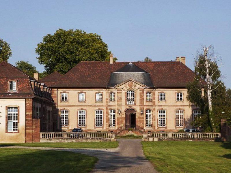 La cour du château ARSEA